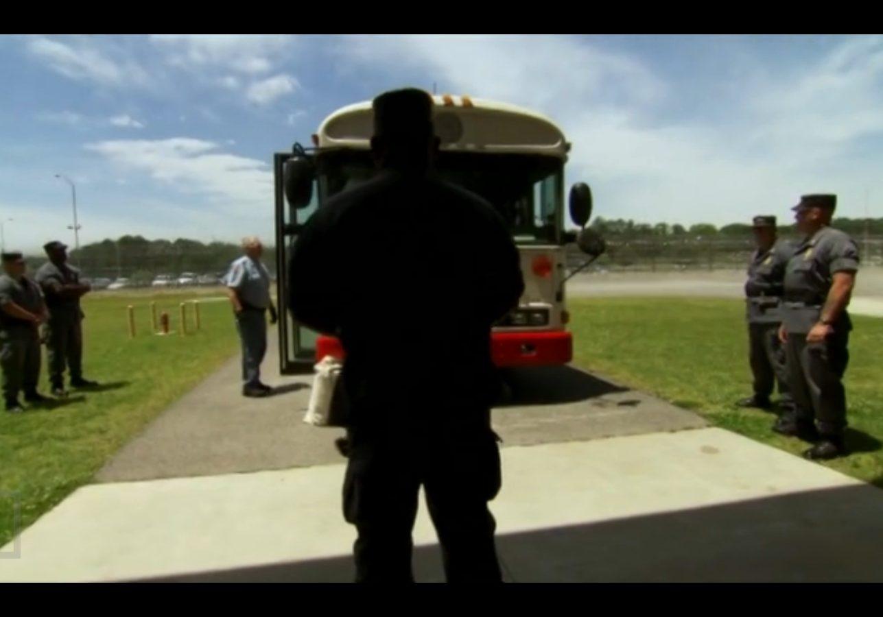 unloading prison bus